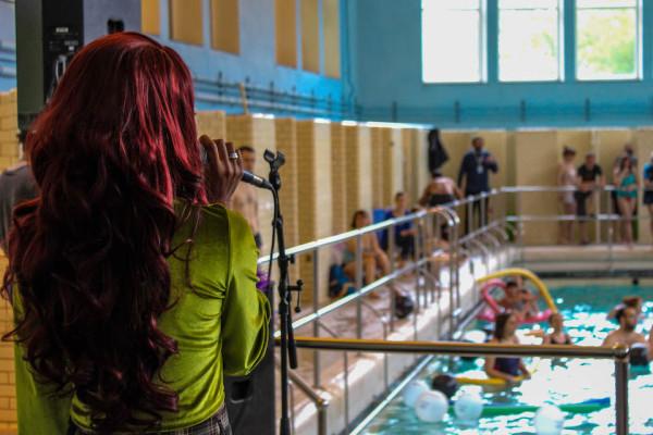 WWWater à la piscine ©Guillaume Scheunders